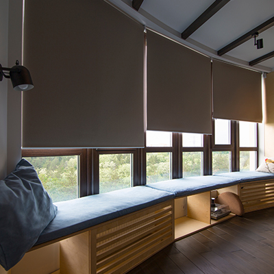 Automated smart blinds that are controlled.